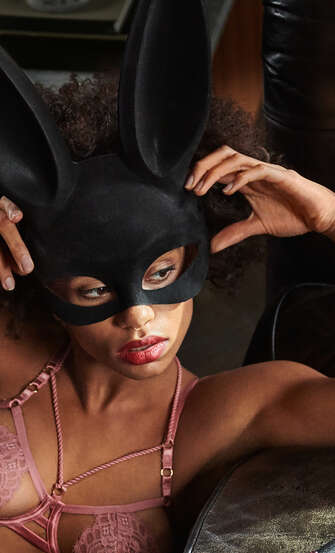 Masque Private, Noir