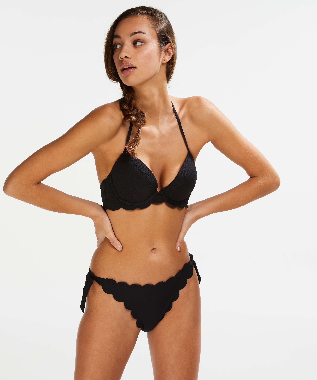 Haut de bikini à armatures à effet push-up préformé Scallop Taille A - E, Noir, main