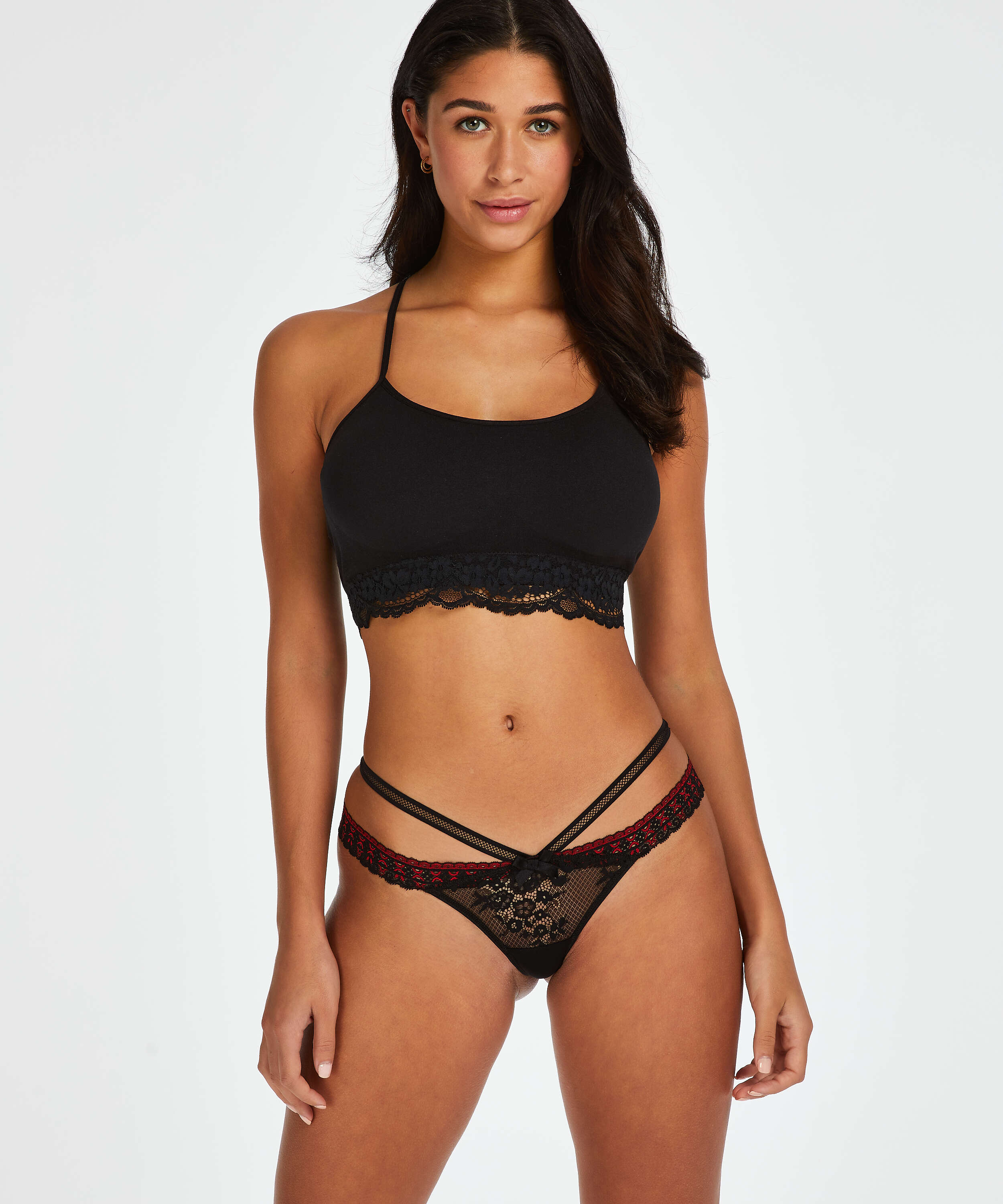 String taille basse Cantaine, Noir, main