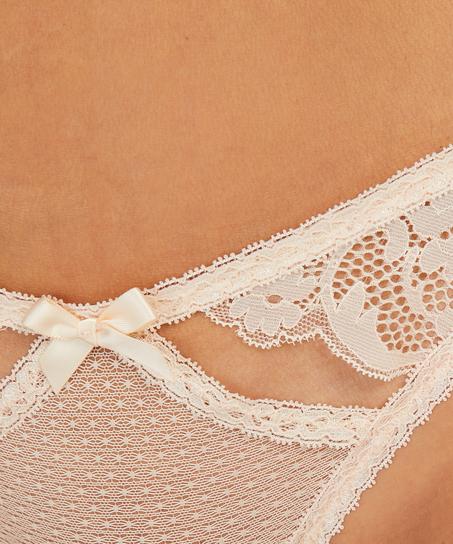String Hattie, Rose