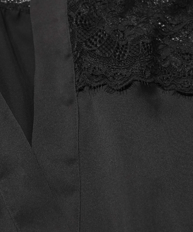 Kimono en dentelle satinée, Noir, main