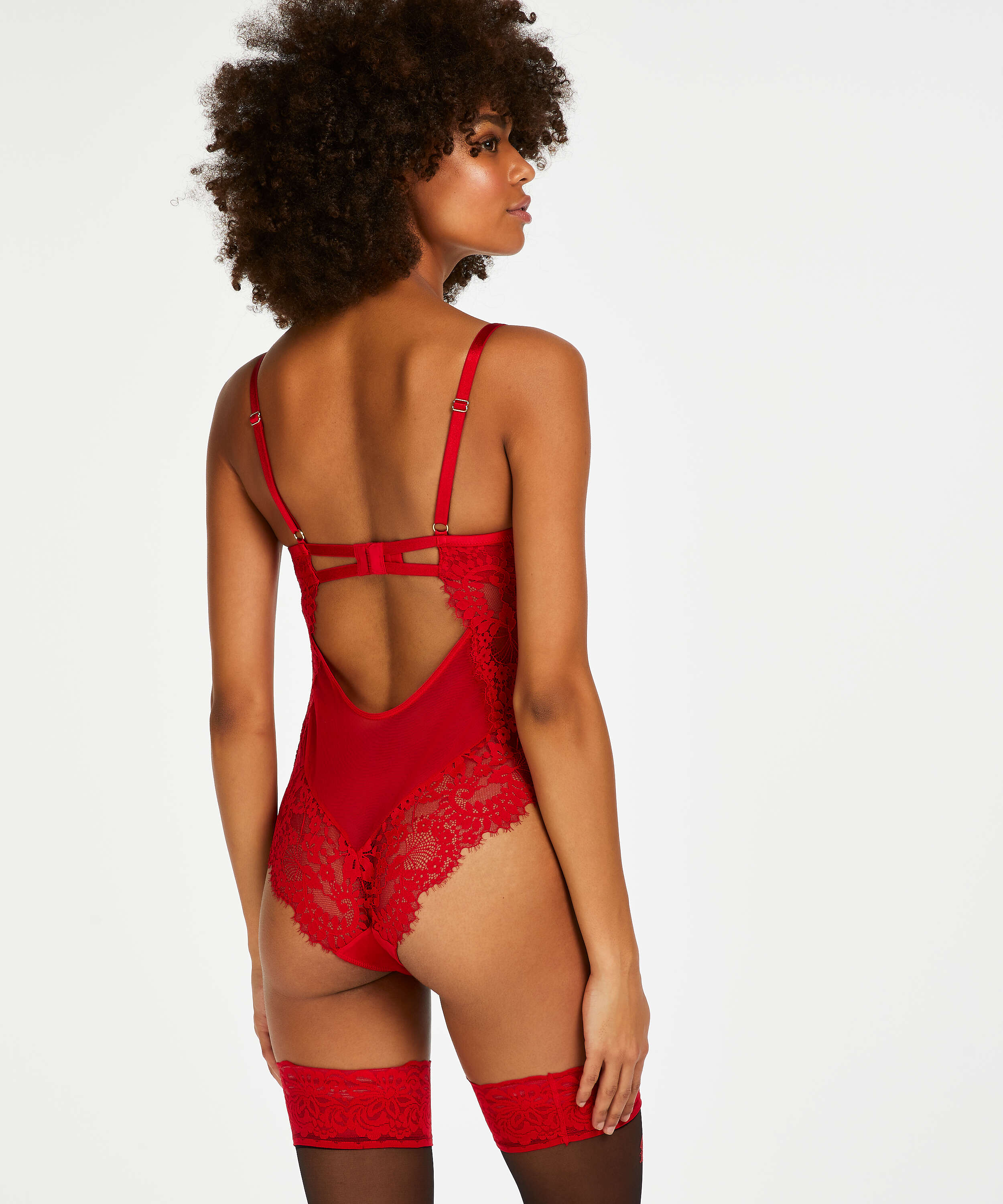 Body Indie, Rouge, main
