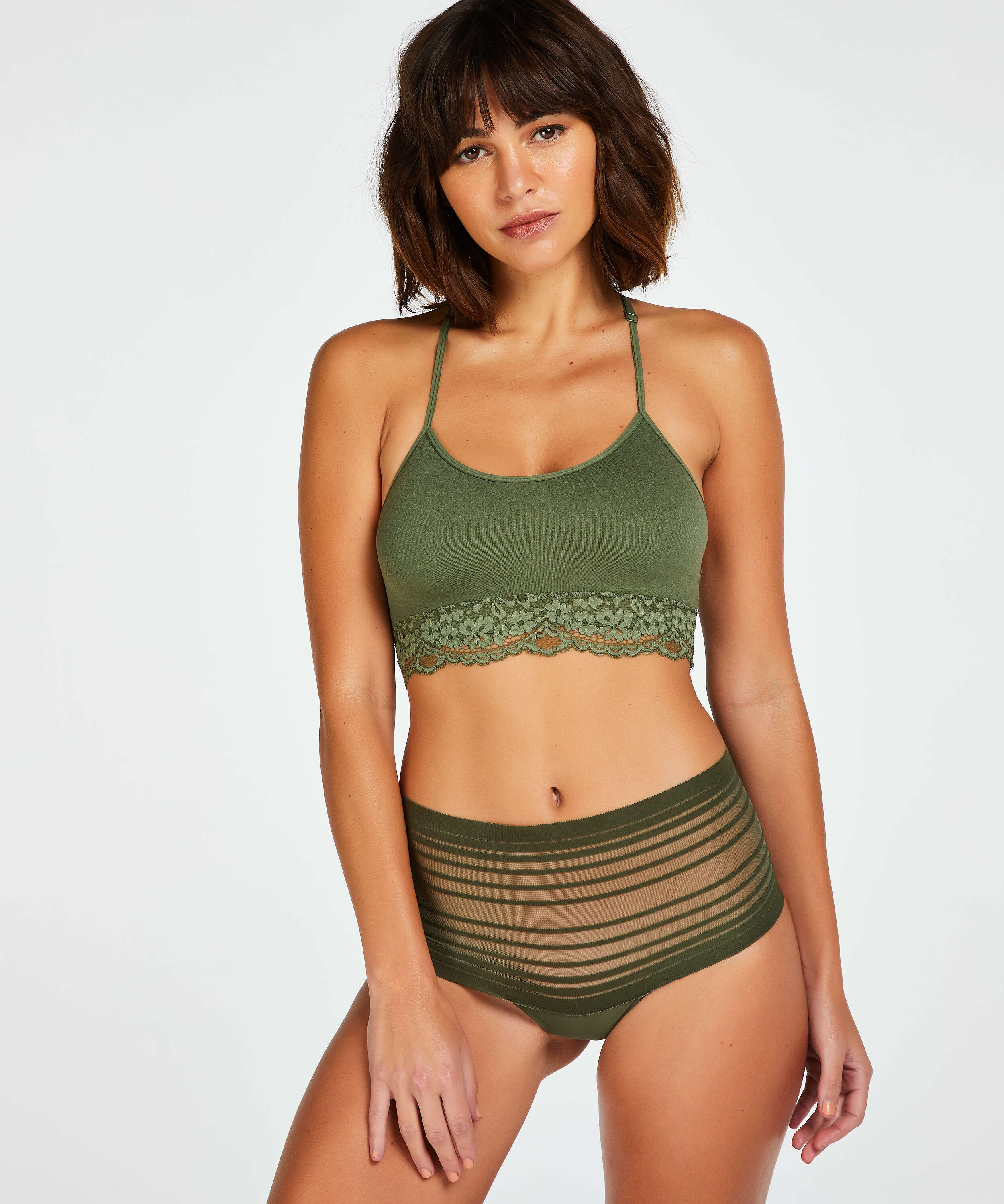 String haut invisible, Vert, main