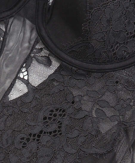 Body Genevieve, Noir