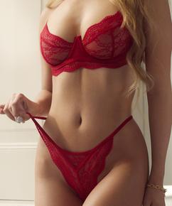 String Isabelle, Rouge