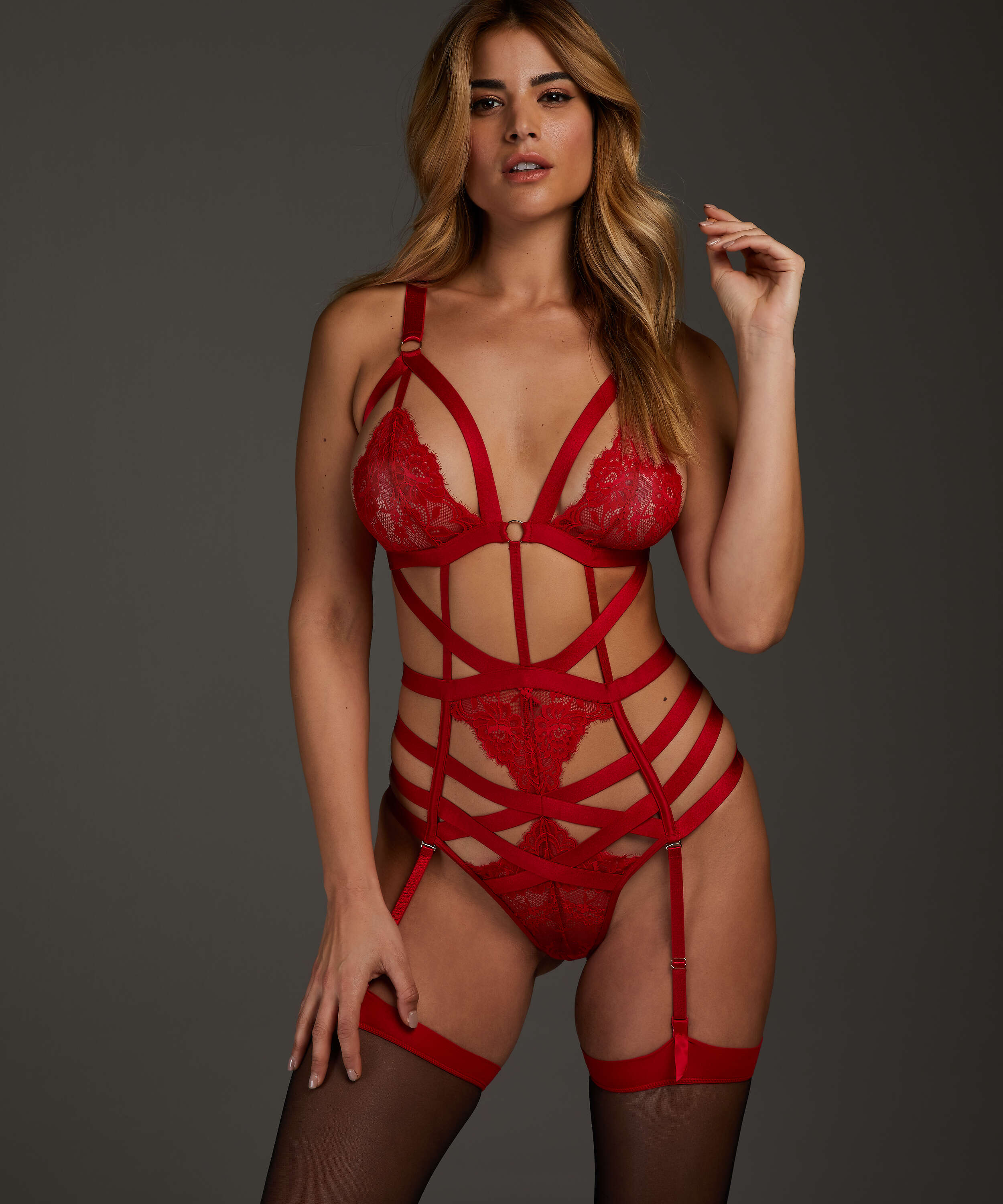 Body Iveresse, Rouge, main